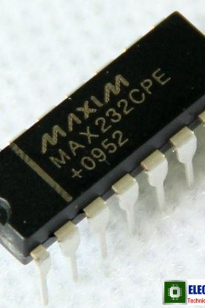 MAX232
